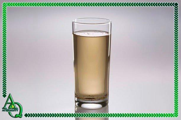 Tratamento de água amarelada